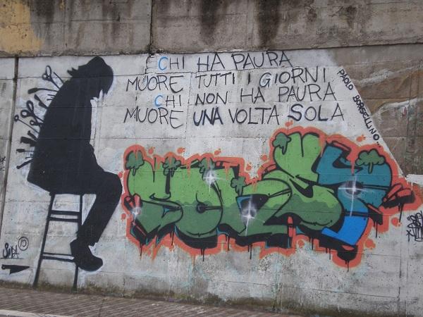 Murale con citazione di Paolo Borsellino