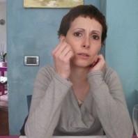 Donna perplessa