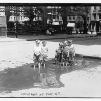 Bambini giocano a NY