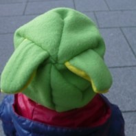 Cappello di pile con orecchie coniglio