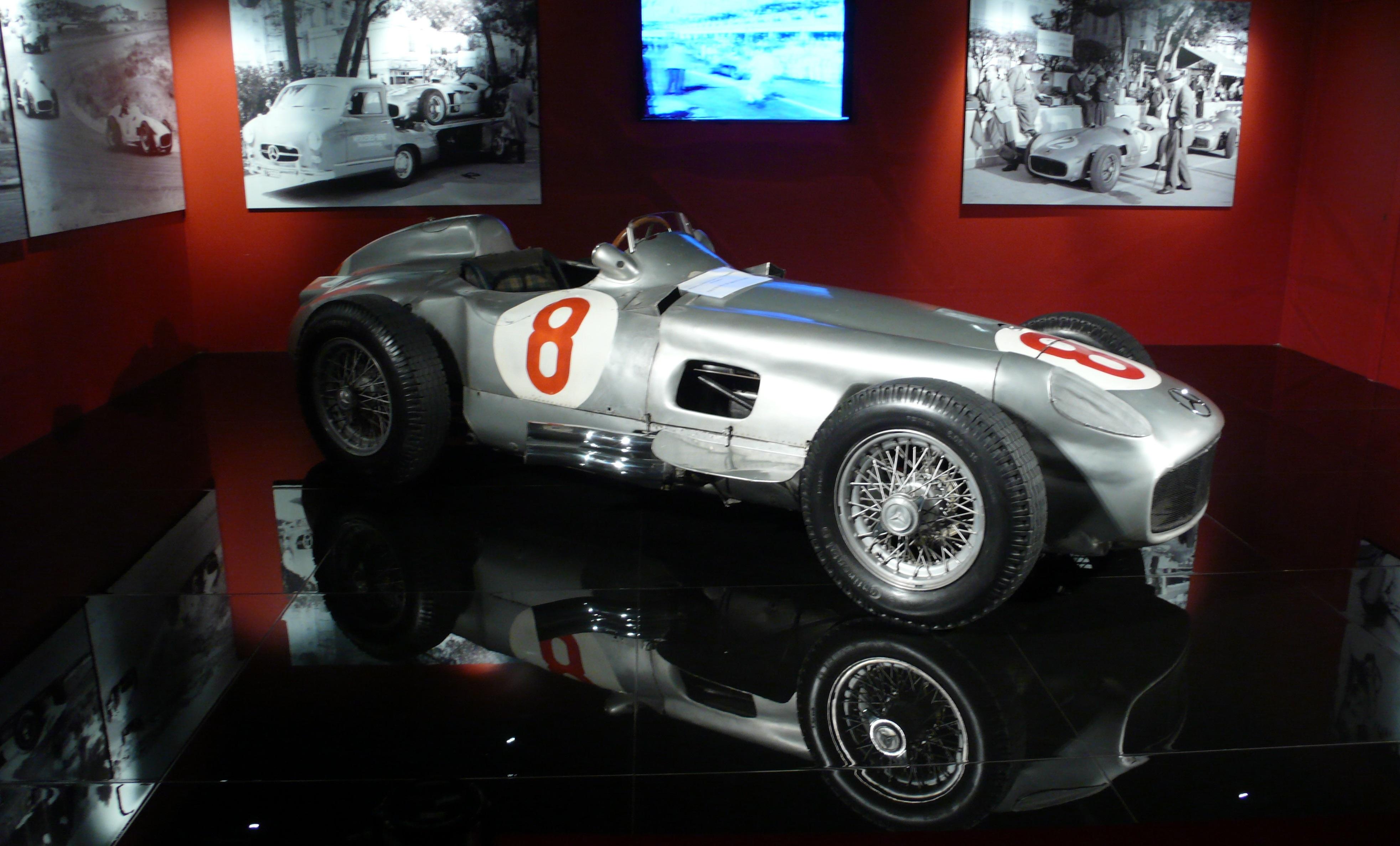 auto-corsa-museo-auto